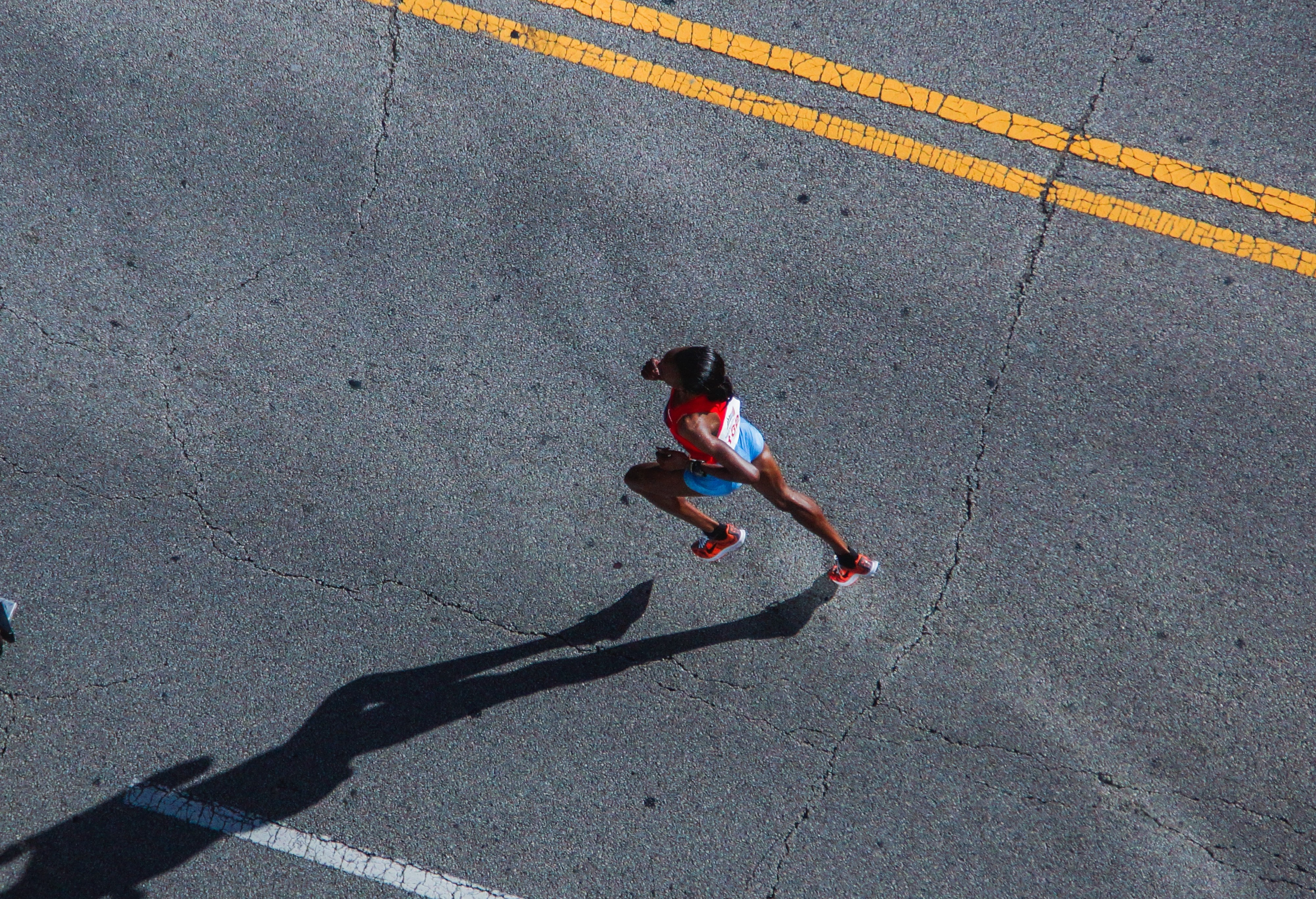 woman road sport running asphalt pavement 1179165 pxhere.com